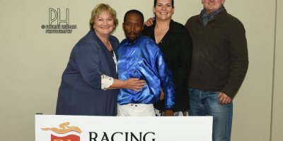 R4 Jacques Strydom Donald Bogaleboile Hopeful-Fairview Racecourse-7 FEB 2020-1-PHP_2549