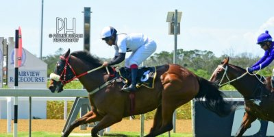 R4 Sharon Kotzen Louie Mxothwa Maldives-Fairview Racecourse-21 FEB 2020-1-PHP_4963