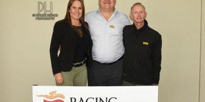 R5 Gavin Smith Bernard Fayd'Herbe Exclusitivy-Fairview Racecourse-28 FEB 2020-1-PHP_5876