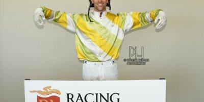 R6 Hekkie Strydom Keanen Steyn Microbe-Fairview Racecourse-24 FEB 2020-1-PHP_5413