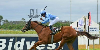 R7 Glen Kotzen Sandile Mbhele Point of Sale-Fairview Racecourse-28 FEB 2020-1-PHP_6029