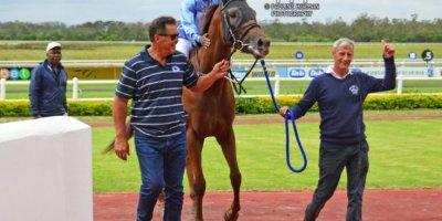 R7 Glen Kotzen Sandile Mbhele Point of Sale-Fairview Racecourse-28 FEB 2020-1-PHP_6074