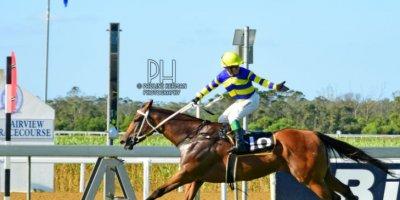 R8 Duncan McKenzie Teaque Gould Escape to Vegas-Fairview Racecourse-14 FEB 2020-1-PHP_4224
