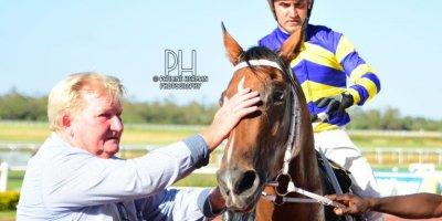 R8 Duncan McKenzie Teaque Gould Escape to Vegas-Fairview Racecourse-14 FEB 2020-1-PHP_4246