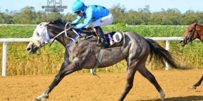 R8 Gavin Smith Marco van Rensburg Viva Le Bleu-Fairview Racecourse-11 FEB 2020-1-PHP_3856