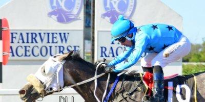 R8 Gavin Smith Marco van Rensburg Viva Le Bleu-Fairview Racecourse-11 FEB 2020-1-PHP_3857