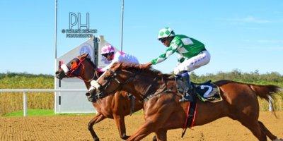 R8 Sharon Kotzen Louie Mxothwa Cherry Pop-Fairview Racecourse-24 FEB 2020-1-PHP_5547